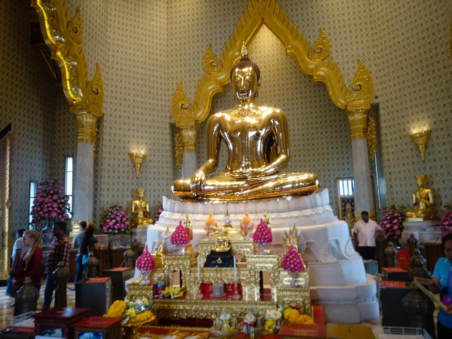 Beautiful golden Buddha in Wat Traimit