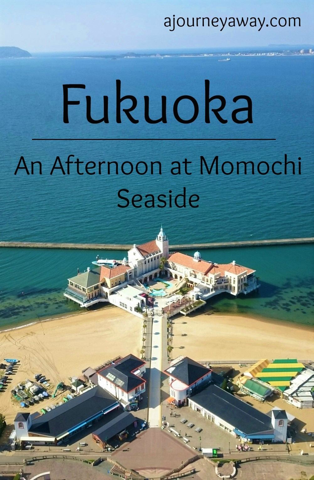 An afternoon at Momochi seaside in Fukuoka, Japan