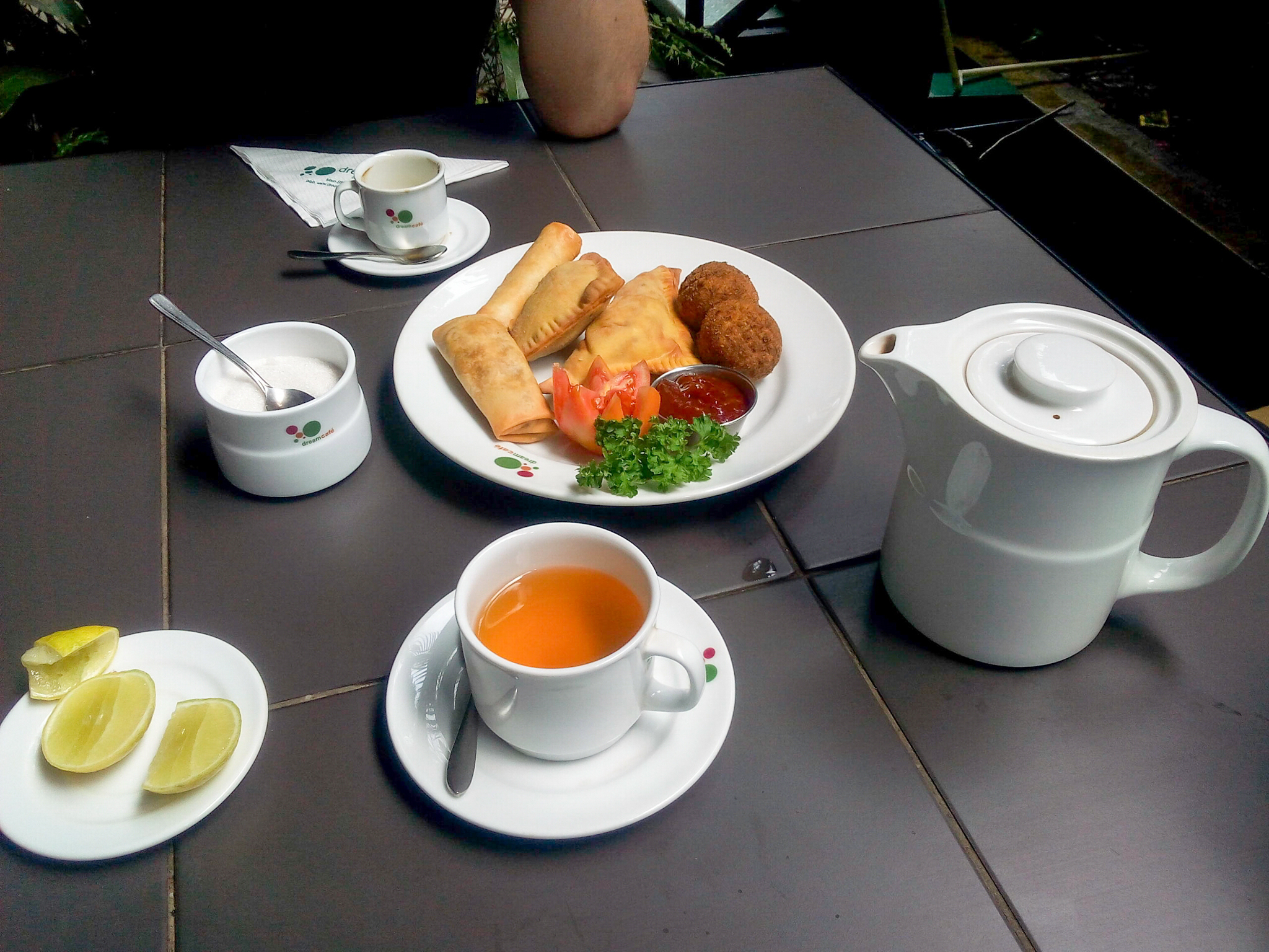 Sri Lankan short eats and tea
